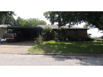 3 Bed 2 Bath Preforeclosure Property in Fort Worth, TX 76118 - Ash Park Dr
