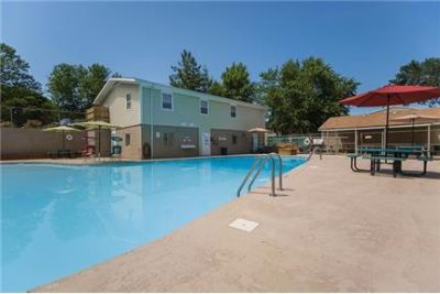 1 bedroom Townhouse - Pet-Friendly Apartments and Townhomes in Kansas City.