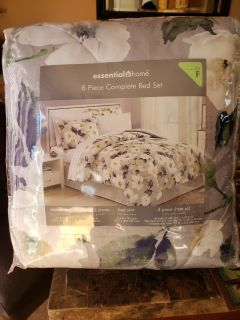 Brand new full size comforter set with set and bed skirt