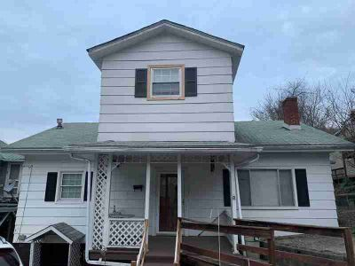 108 Asia Street Hazard Four BR, Great Family Home located in