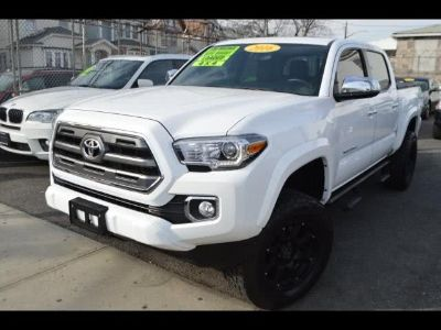 2016 Toyota Tacoma Limited Double Cab V6 6AT 4WD (White)
