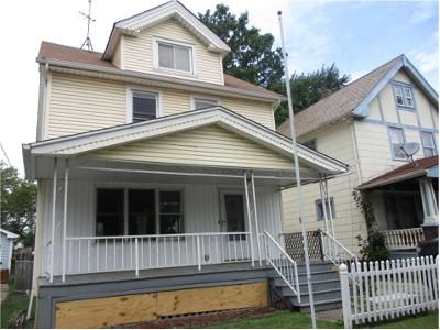 3 Bed 1 Bath Foreclosure Property in Cleveland, OH 44111 - W 127th St