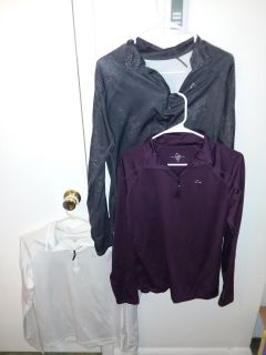 3 size medium women's Paradox under Armour like new excellent condition all for $15