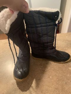 Mudkats snow boots size 8 warm asking $10