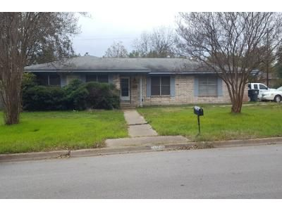 3 Bed 2 Bath Foreclosure Property in Temple, TX 76501 - Cole Ave