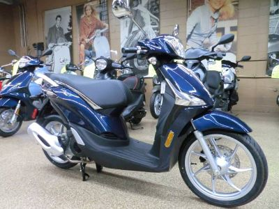2018 Piaggio Liberty 50 iGet ei Scooter Scooters Downers Grove, IL