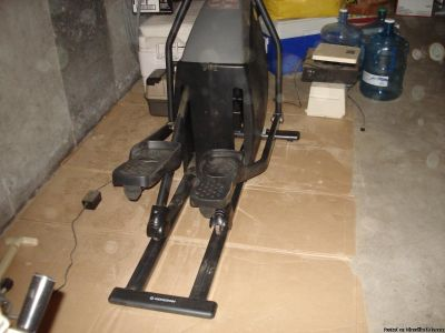 Eliptical fitness workout machine