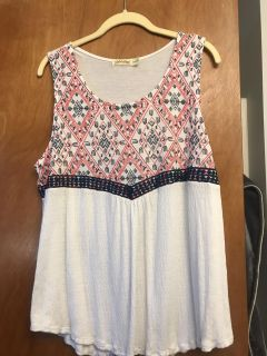 Verycute top for July 4th. Faded Glory only worn once size XL 16-18. Super cute back see pics in comments