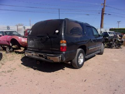 PARTING OUT 2004 Chevrolet Suburban!!!!