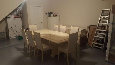 Excellent condition Eight chairs, dining table and buffet table for $ 900.
