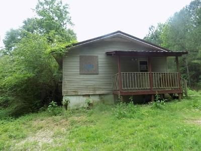 2 Bed 1 Bath Foreclosure Property in Ohatchee, AL 36271 - Big Oak Rd