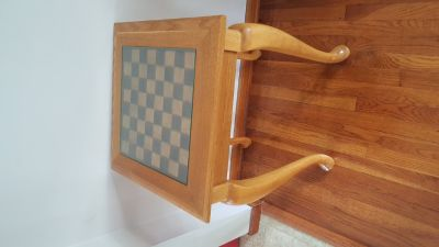 2 Lamps and chess table