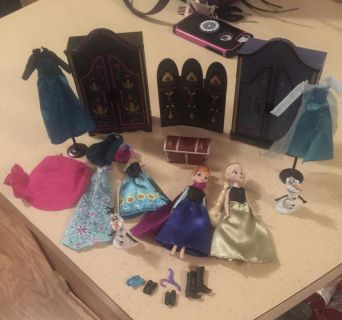 Frozen dolls with clothing set