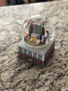 Macy's Thanksgiving Day Parade Musical Globe
