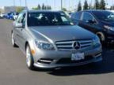 2011 Mercedes-Benz C300 Luxury