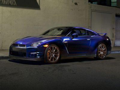 2014 Nissan GT-R Premium (Gun Metallic)