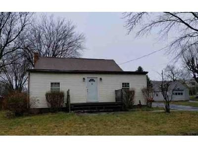 5 Bed 1 Bath Foreclosure Property in Waynesboro, PA 17268 - Snyder Ave