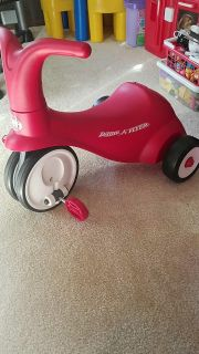 Radio flyer scoot and ride