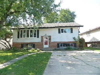 4 Bed 2 Bath Foreclosure Property in Midlothian, IL 60445 - 137th St