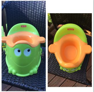 """FISHER PRICE"" - FROGGY POTTY SEATREMOVABLE SEATHANDLE IN BACKHANDLES ON SIDES FOR COMFORTUsed couple times at Grandma'sREAD"
