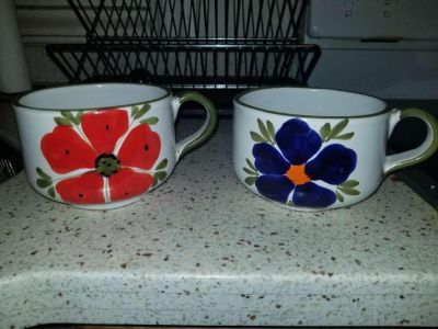 2 large mugs/soup bowl with handle