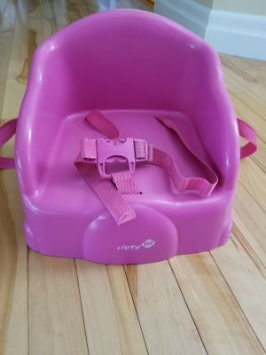 """Table """"Tot"""" Booster seat"""