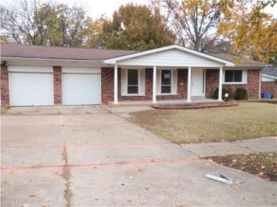 3 Bed 2 Bath Foreclosure Property in Florissant, MO 63033 - Seville Dr