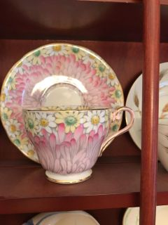 Aynsley Pink w/daisies tea cup and saucer