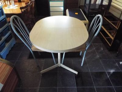 Table and Two matching chairs*ex cond