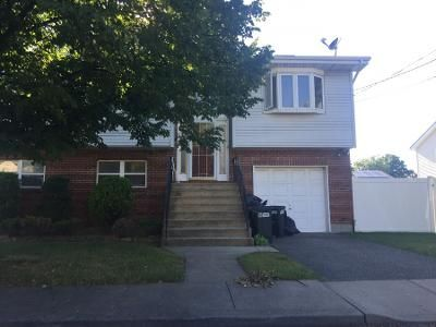 1.5 Bath Preforeclosure Property in Inwood, NY 11096 - Jeanette Ave