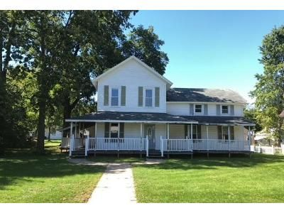 5 Bed 3 Bath Foreclosure Property in Sparta, WI 54656 - 214 N L St