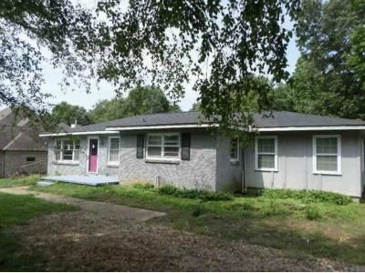 3 Bed 2 Bath Foreclosure Property in Brighton, TN 38011 - Mount Carmel Rd