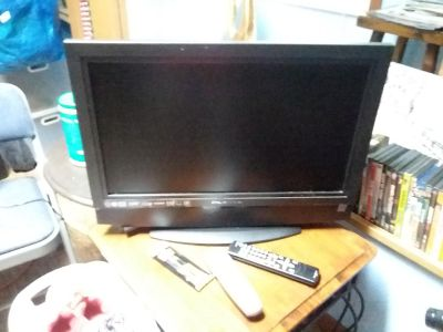 Olevia Flat Screen Television With Remote