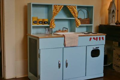 ADORABLE  Play wooden Kitchen- Christmas