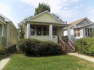 2 Bed 1.5 Bath Foreclosure Property in Oak Park, IL 60304 - S Cuyler Ave