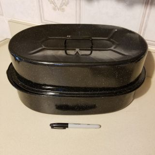 Large black enamel roasting pan
