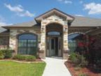 Large upgraded Four BR Home in Killeen - 4/2.5 2382 sqft