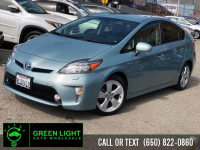 2015 Toyota Prius Five (Sea Glass Pearl)