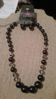 paparazzi deep blue necklace 5.00 crossposted