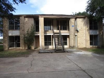 2 Bed 1 Bath Foreclosure Property in Sealy, TX 77474 - Gunnison St