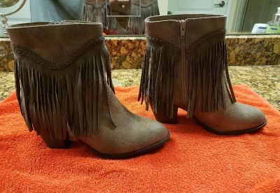 NEW.NEVER WORN. SIZE 8 TAUPE FRINGED BOOTIES