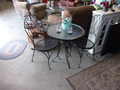 Soda Fountain Table and Two Chairs Set