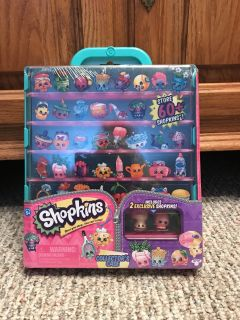 SHOPKINS COLLECTABLE CASE WITH 2 exclusive shopkins