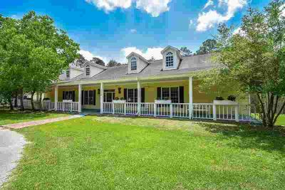 18 Shadow Lane Houston Four BR, 3 ACRE HORSE PROPERTY in TOWN!