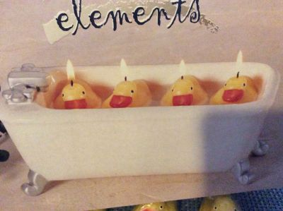 Floating duck candles