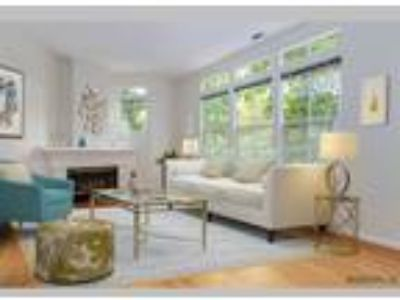 Executive Town home in Gated Community, Fremont, CA