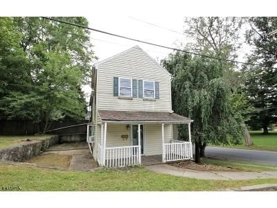 4 Bed 2 Bath Foreclosure Property in Belvidere, NJ 07823 - Market St