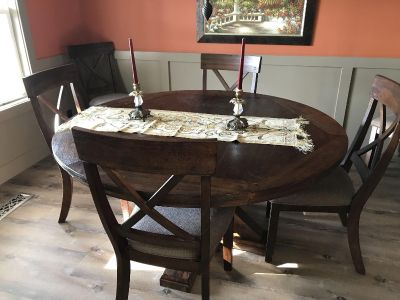 Dining table and 6 chairs-NEW!