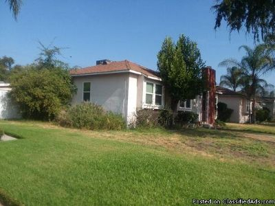 825 N 10th Ave, Upland, CA 91786