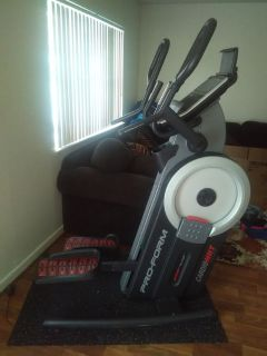 Cardio Hilt Pro form elliptical ( Virgin Beach)